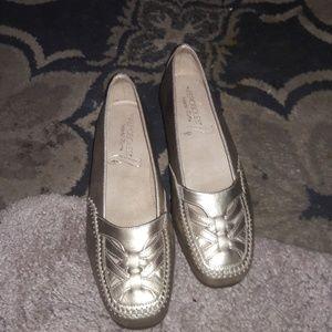 Aerosols flats shoes